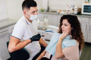 el dolor en los implantes dentales