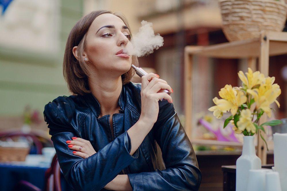 Cómo afectan los cigarrillos electrónicos a la salud dental