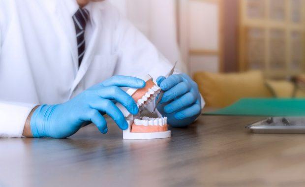 9 maneras de cuidar sus carillas dentales